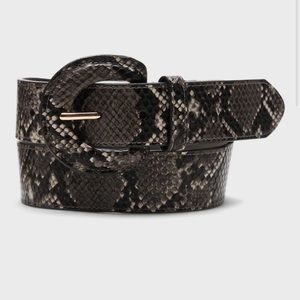 NWT wide snake print belt